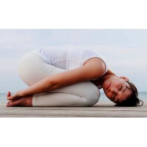 5 поз йоги які допоможуть полегшити головний біль>
