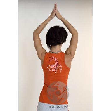 Йога майка Нади с рисунком на спине, кирпичный фото