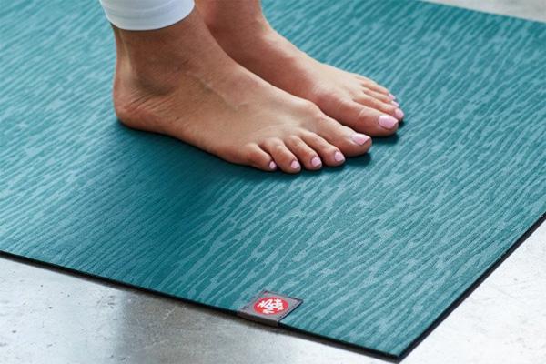 Коврики для йоги из натурального каучука Manduka