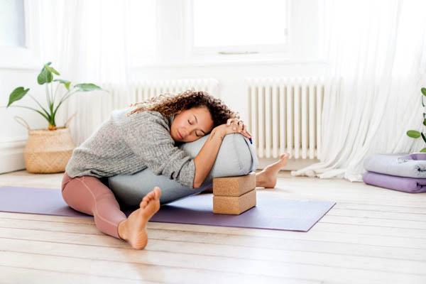 Правильный йога болстер